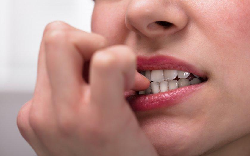 fingernaegel-kauen-nur-stress-oder-verhaltensstoerung