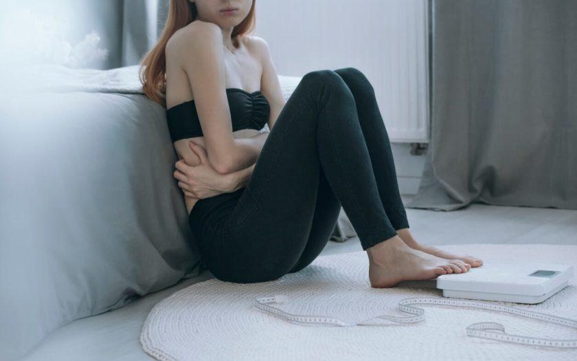 anorexie-wenn-stress-zur-zwanghaften-gewichtskontrolle-fuehrt